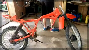 Dirt Bike Restore | Part 2 Painting And Cleaning